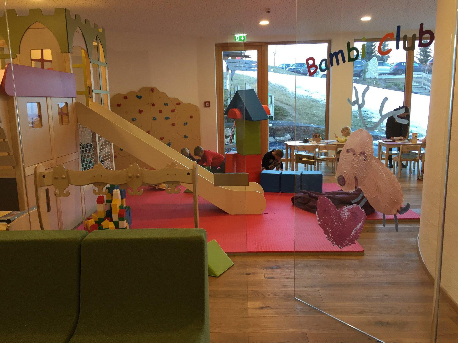 Familienurlaub und kinderwelt 4 wellness hotel schladming for Jugendzimmer 6457